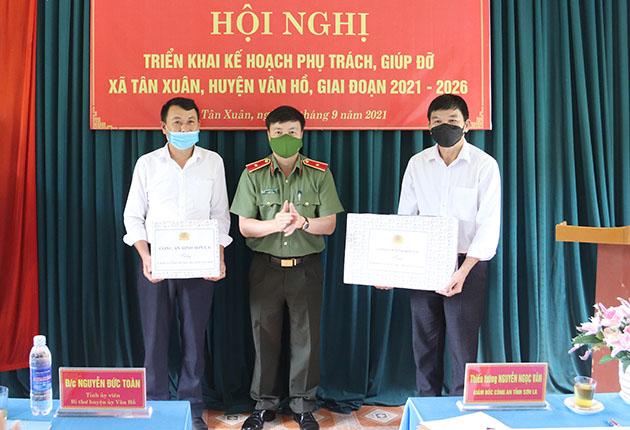 Công an tỉnh Sơn La triển khai kế hoạch phụ trách, giúp đỡ xã Tân Xuân, huyện Vân Hồ giai đoạn 2021-2026
